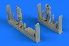 AeroBonus 480201: 1/48 WWII German Soldiers (2) w Ammo Box