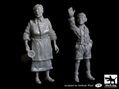 BlackDog T48059: 1/48 Grandmother and Grandson (WWII) figures
