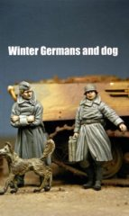 Dartmoor MM 48M019: 1/48 German Soldiers in Winter Coats & Dog