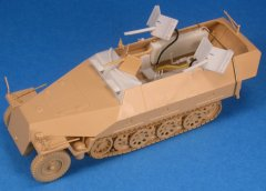 GasoLine GAS48083K: 1/48 Sd.Kfz.251/16 Ausf.D Flamethrower