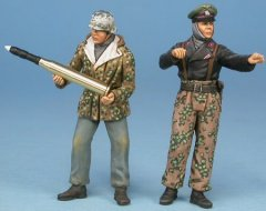 "GasoLine GAS50383: 1/48 Marder III crew ""in action"" Russia"