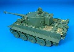 Hauler HLX48029: 1/48 TIGER I EARLY (Skybow)