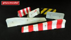 Plus Model 4043: 1/48 Concrete Roadblocks - Short