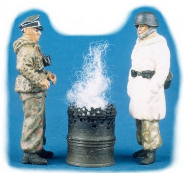 GasoLine GAS50324: 1/48 German officers with brazier (2)